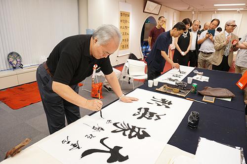 「金石有声―西泠六人書法篆刻展」が文化センターで開幕